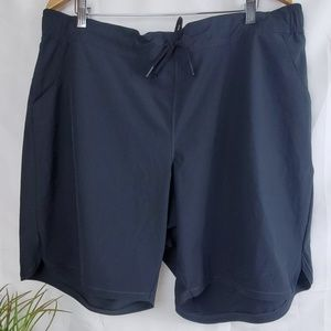 Lands End black drawstring shorts with pockets